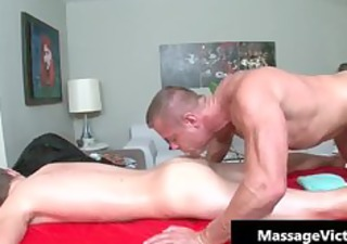 chap receives super sexy homo massage and
