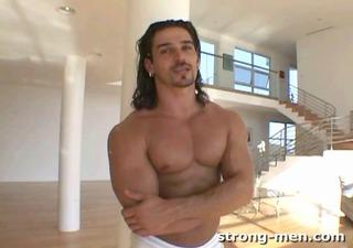 niko a sexy bodybuilder